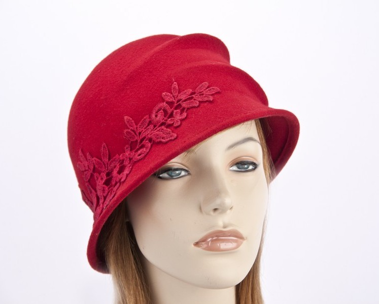 Red felt bucket hat with lace