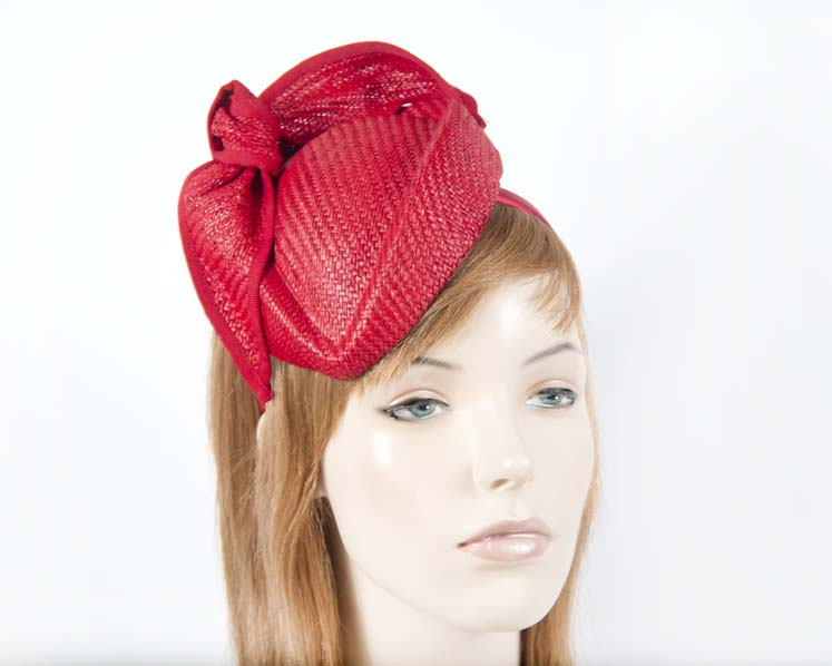 Red racing pillbox racing fascinator