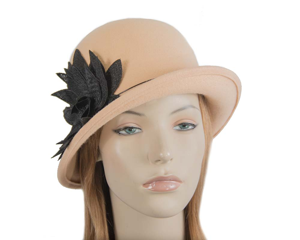 Fascinators Online - Beige felt cloche hat with lace by Max Alexander 44