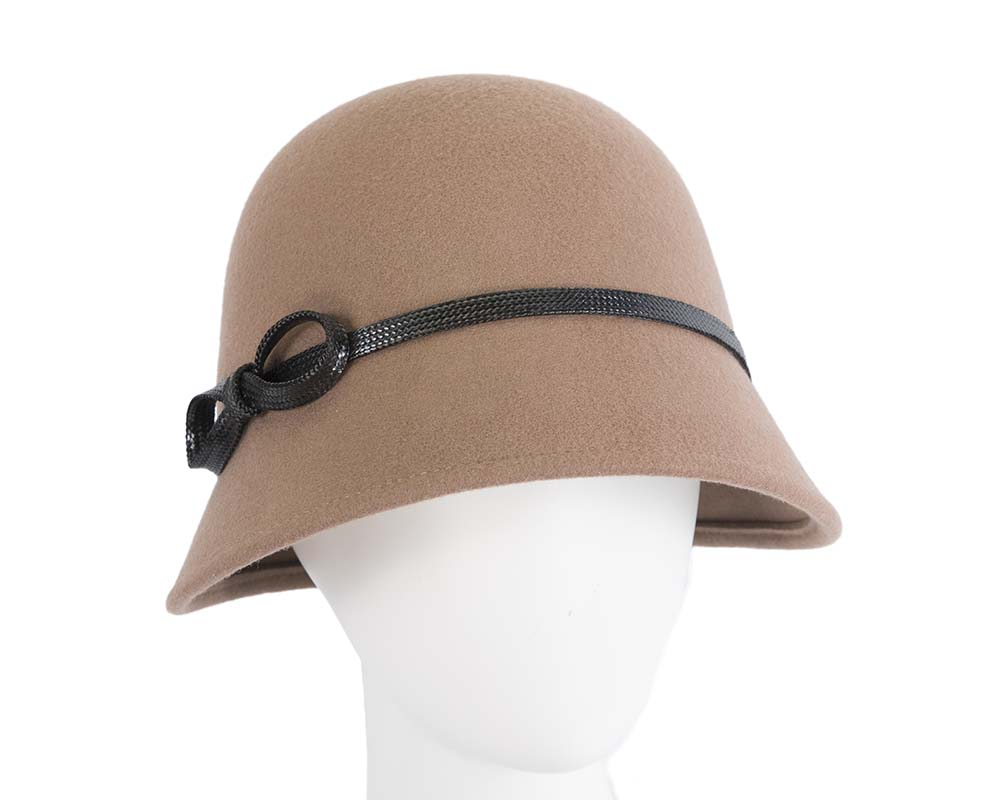 Fascinators Online - Beige felt cloche hat by Max Alexander 18